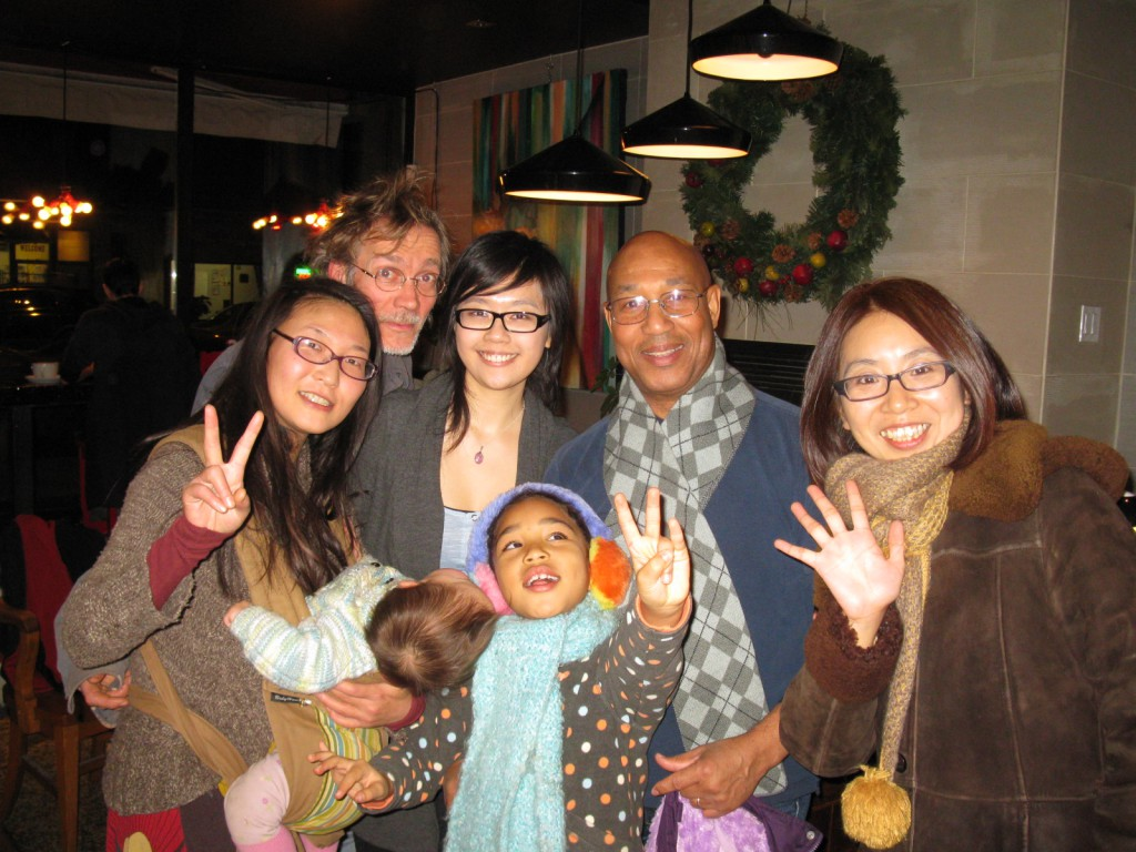 Yuri Murakami (healing artist) and her husband Luc Bihan (sculpture artist) with their lovely child Amétiste, me, and the family of Ralph Davis, Emi Saeki and the very energetic Kaede.